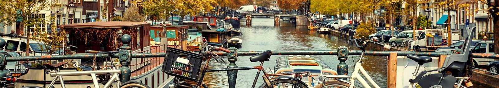amsterdam_bikes_on_bridge