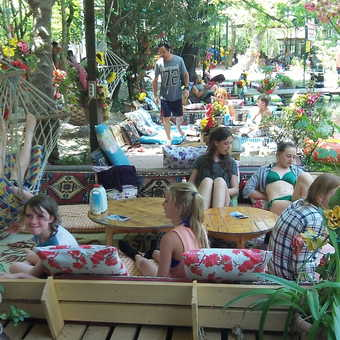 A meal out near the gorge in a very colourful restaurant!