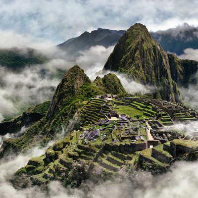 Misty Machu Picchu, Peru
